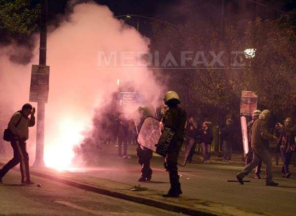 Peste 32.000 de greci comemorează revolta studenţilor �mpotriva regimului militar din 1973 - FOTO