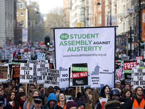 Mii de studenti au protestat la Londra fata de taxele de scolarizare