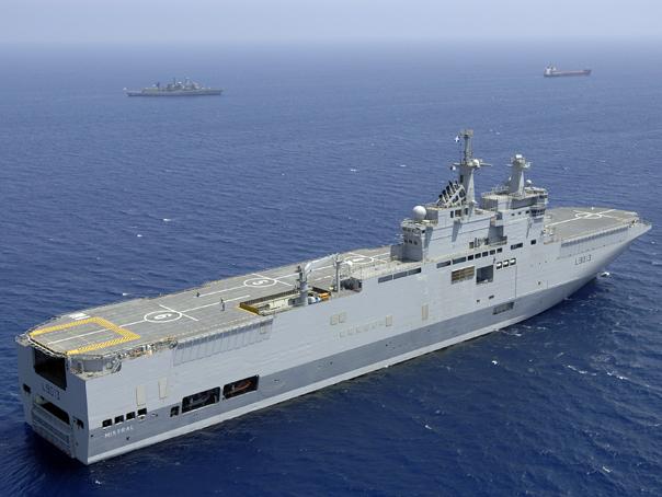 Franta am�na din nou livrarea primei nave Mistral comandata de Rusia