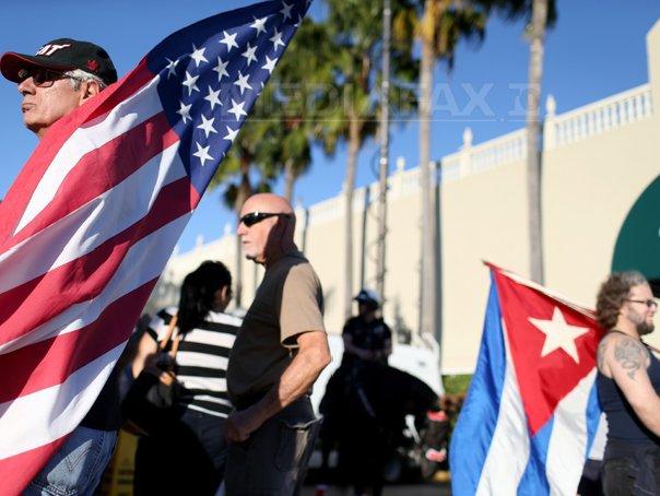 ANALIZĂ: Lumea primeste cu entuziasm apropierea istorica �ntre Statele Unite si Cuba