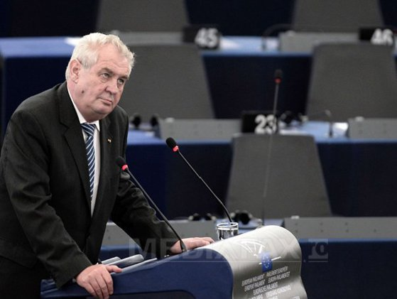 """Imaginea articolului Preşedintele ceh Milos Zeman se pronunţă împotriva unei """"idealizări"""" a Ucrainei: """"Iaţeniuk vrea rezolvarea prin forţă a problemei"""""""