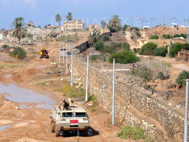 Egiptul a �nceput lucrarile de extindere a zonei-tampon de la frontiera cu F�sia Gaza