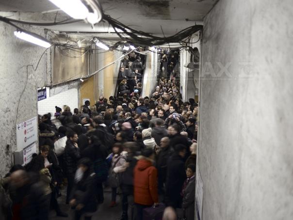 Peste 1,2 milioane de calatori, afectati de o greva spontana a personalului feroviar, la Paris