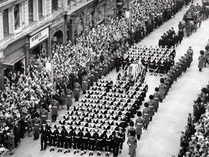 """Cine este """"Bătrânul Leu"""" care l-a sfidat pe Adolf Hitler"""