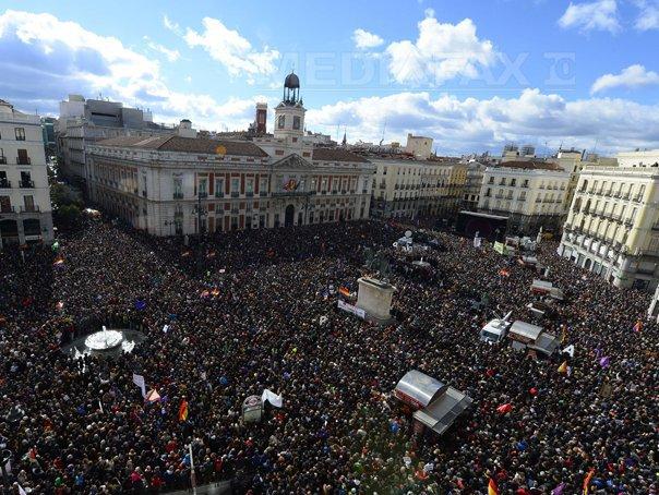 Podemos reuneşte zeci de mii de persoane la manifestaţia organizată la Madrid