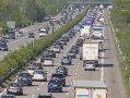 Imaginea articolului TAXĂ controversată în Germania, care ar putea discrimina cetăţenii străini: Şoferii vor plăti pentru folosirea drumurilor publice