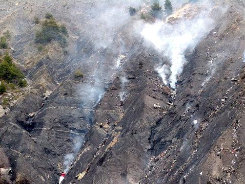 ADEVĂRUL despre catastrofă: ULTIMELE DISCUŢII dintre piloţii avionului Germanwings prăbuşit
