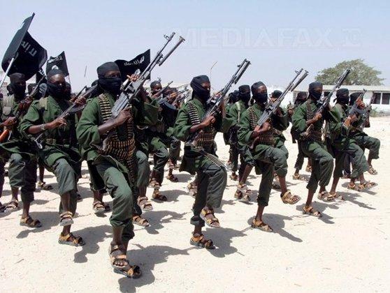 Imaginea articolului Armata kenyană a bombardat baze ale grupării Al-Shabaab din Somalia, în urma atacului din Garissa
