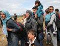 Imaginea articolului Mii de imigranţi ajunşi în Serbia se îndreaptă spre frontiera cu Ungaria