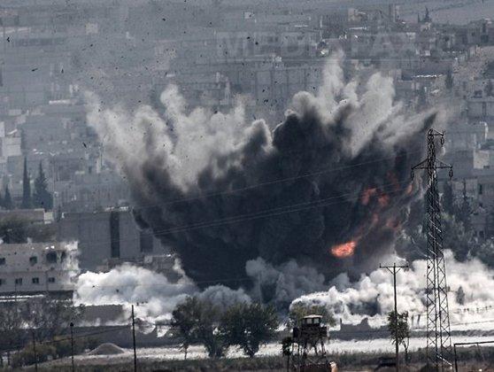 """Imaginea articolului Raiduri aeriene siriene şi ruse, în estul Siriei - OSDO: """"Treizeci de civili, inclusiv 13 copii, au fost ucişi"""""""