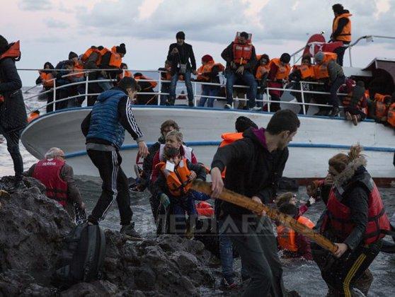 """Imaginea articolului Financial Times: UE pregăteşte măsuri pentru oprirea imigranţilor la frontiera nordică a Greciei. Tsipras: Grecia va deveni o """"cutie neagră pentru refugiaţi"""""""