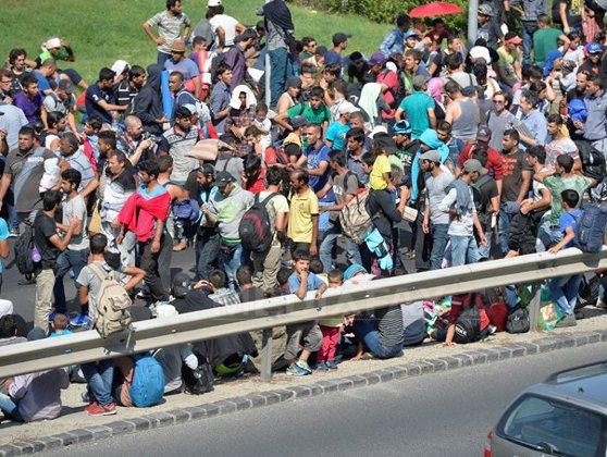 Imaginea articolului Franţa se opune sistemului de cote obligatorii privind repartizarea refugiaţilor în UE