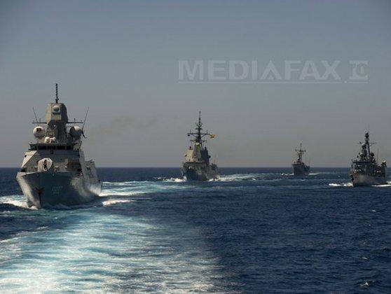 Imaginea articolului Nave militare NATO au ajuns în Marea Egee, pentru interceptarea ambarcaţiunilor cu imigranţi