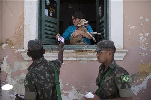 Imaginea articolului Cuba mobilizează 9.000 de militari pentru contracararea virusului Zika