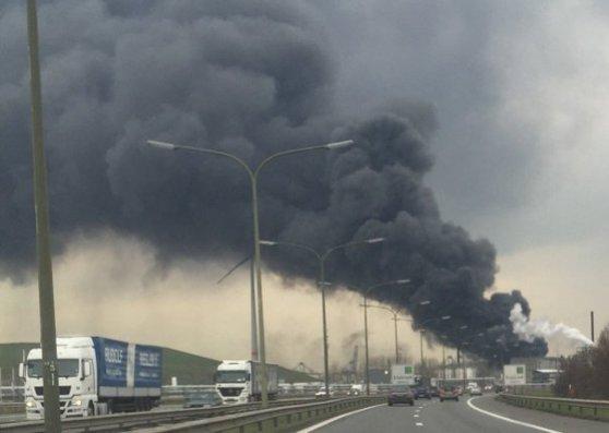 """Imaginea articolului Explozie de proporţii la o centrală din oraşul belgian Anvers. Locuitorii, sfătuiţi să rămână în case: """"Este un dezastru local"""" - VIDEO"""