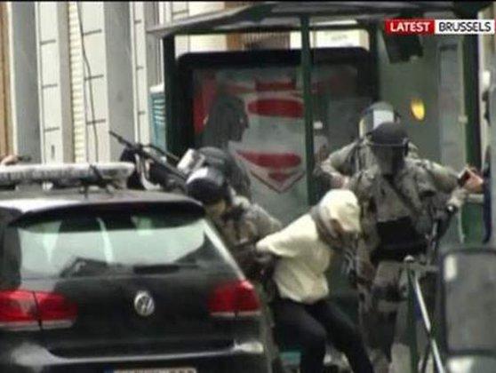 Imaginea articolului Amprentele digitale confirmă că Salah Abdeslam este suspectul arestat la Bruxelles