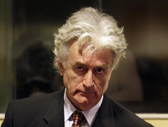 Imaginea articolului Karadzic, şocat de condamnarea la 40 de ani de închisoare. Fostul lider al sârbilor din Bosnia va face apel la sentinţă