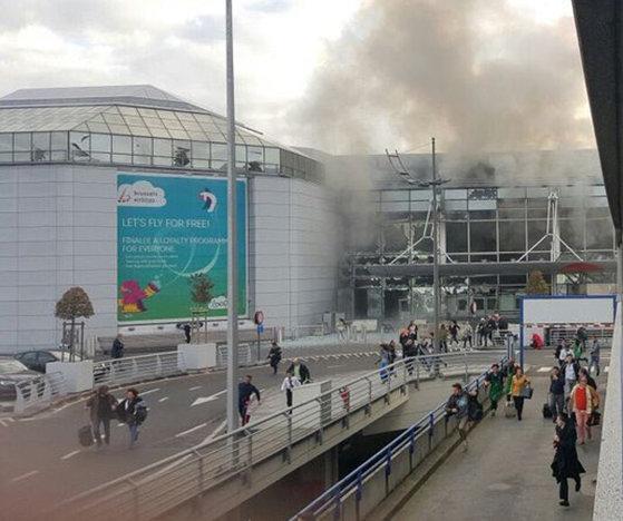 Imaginea articolului Bilanţul atentatelor din Bruxelles, revizuit. Sunt 28 de victime şi cei trei kamikaze