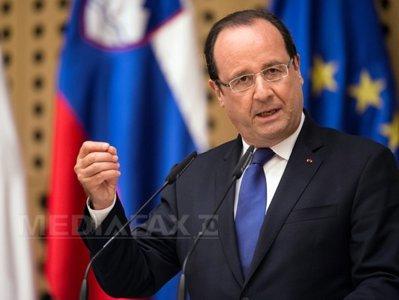 Francois Hollande: Atacarea unei biserici reprezintă profanarea Franţei. Preşedintele francez i-a promis Papei Francisc că bisericile vor fi protejate de terorişti