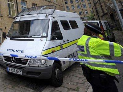 Cinci suspecţi de terorism, arestaţi în Marea Britanie. Pachet suspect, verificat în Birmingham