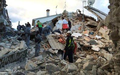 Zece dintre românii daţi dispăruţi în urma cutremurului din Italia au fost găsiţi şi sunt în viaţă. MAE a revizuit bilanţul la patru