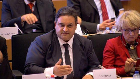 """Imaginea articolului Claude Moraes, şeful Comisiei pentru Libertăţi civile, Justiţie şi Afaceri interne din PE, denunţă """"ingerinţe"""" în activităţile justiţiei din România"""