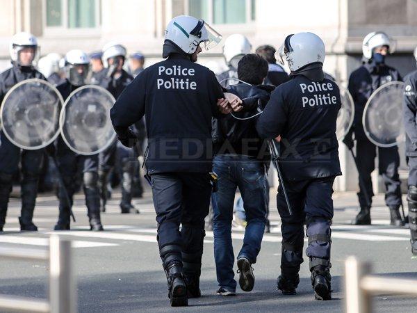 Imaginea articolului Trei persoane au fost arestate în urma unei operaţiuni antiteroriste în Bruxelles/ Suspecţii au fost eliberaţi după interogatoriu