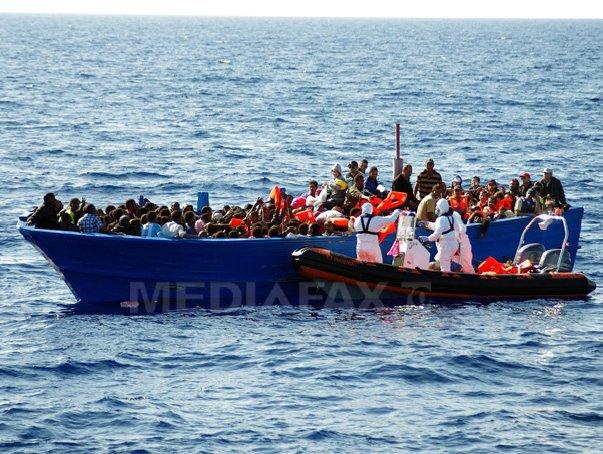 Imaginea articolului Aproximativ 100 persoane au dispărut după ce o barcă cu imigranţi s-a scufundat în largul Libiei
