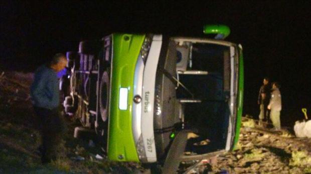VIDEO Cel puţin 19 morţi şi 20 de răniţi după ce un autocar a căzut într-o prăpastie, în Argentina