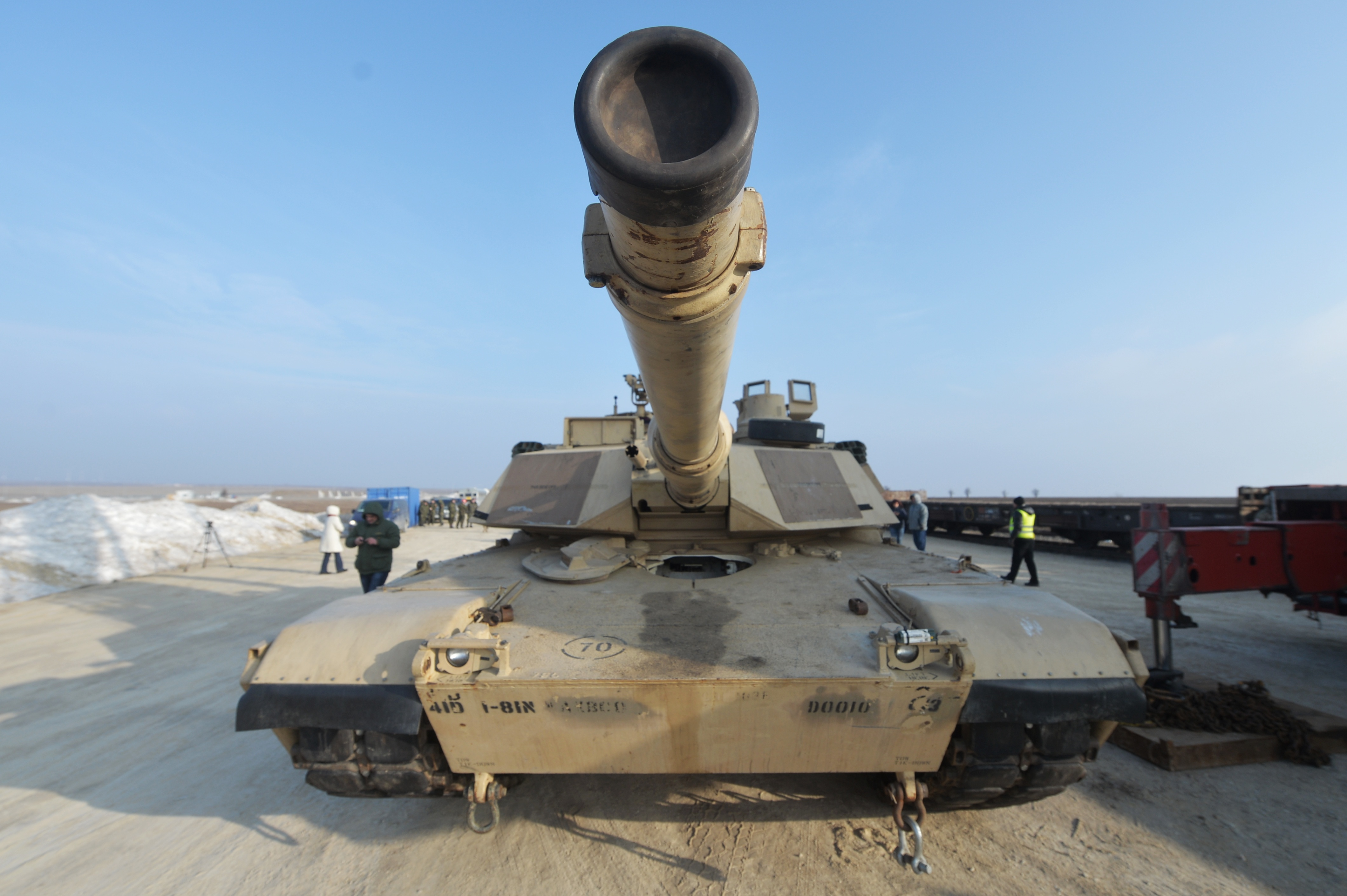 ANALIZĂ: Statele Unite cer contribuţii suplimentare, dar menţin angajamentele faţă de Europa. Berlinul: NATO este utilă şi Washingtonului