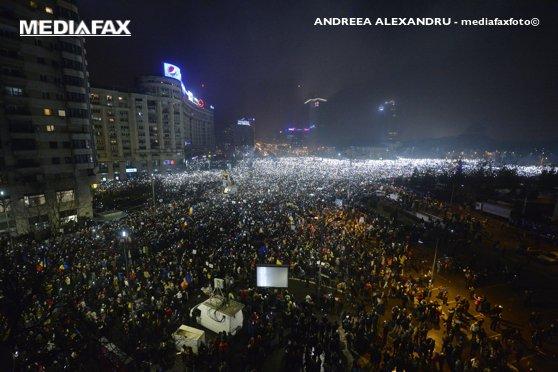 Imaginea articolului VIDEO Sute de participanţi la o manifestaţie anticorupţie la Paris, inspirată de protestele din România