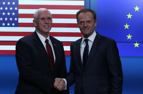 """Imaginea articolului Donald Tusk, preşedintele Consiliului European, salută susţinerea Administraţiei Donald Trump pentru NATO şi UE/ Jean-Claude Juncker: SUA au nevoie de o Uniune Europeană """"puternică şi unită"""""""
