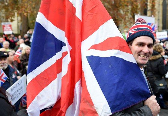 """Imaginea articolului Camera Lorzilor RESPINGE planul Brexit în forma prezentată de Executivul de la Londra, cerând protejarea cetăţenilor UE/ Guvernul Theresa May, """"DEZAMĂGIT"""""""
