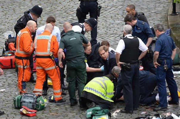 Imaginea articolului Mai multe persoane au fost arestate la Birmingham, de unde se crede că a fost ÎNCHIRIAT vehiculul folosit la Londra