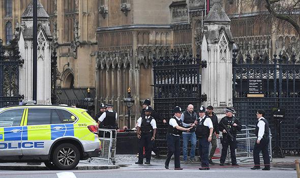 Imaginea articolului Presupusul autor al atacului de la Londra se numeşte Khalid Masood. Au fost identificate toate cele trei victime
