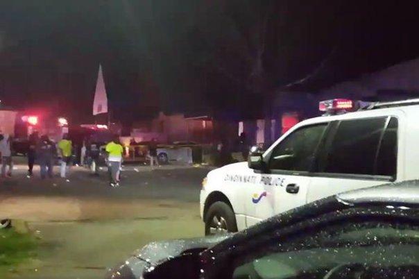 Imaginea articolului VIDEO ATAC ARMAT într-un club din Cincinnati: Cel putin o persoană a fost ucisă, iar alte 14 au fost rănite