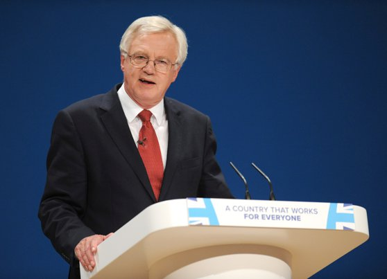 Imaginea articolului David Davis, ministrul britanic pentru Brexit: Marea Britanie nu se aşteaptă la o factură de 60 de miliarde de euro din partea UE