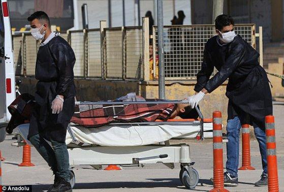 Imaginea articolului AUTOPSIA victimelor confirmă: În atacul din Siria s-au folosit ARME CHIMICE. Bilanţul a ajuns la 86 de morţi, dintre care 30 de copii