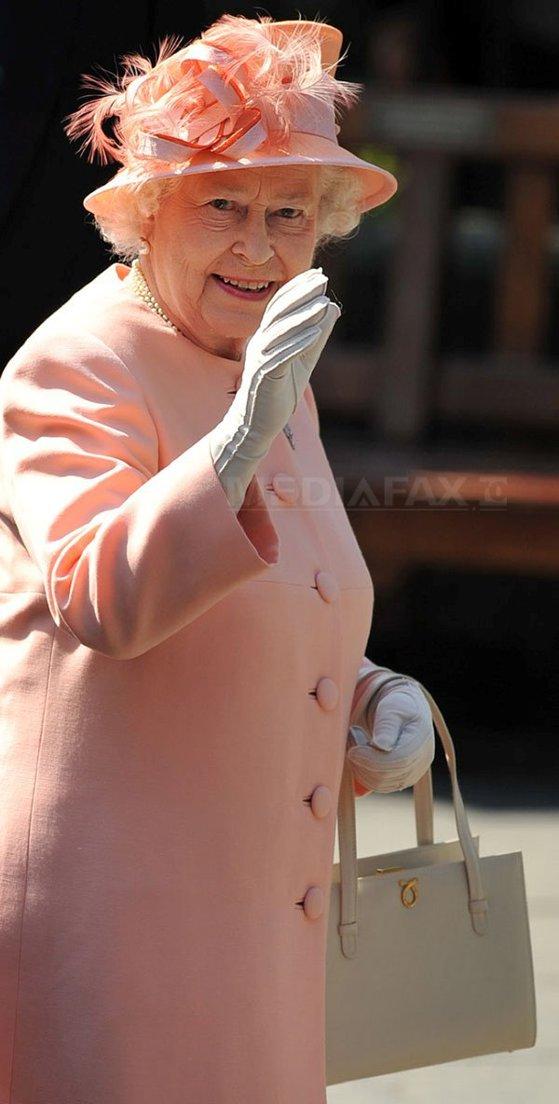 Imaginea articolului FOTO Regina Elisabeta a II-a împlineşte 91 de ani. Monarhul britanic, celebrat şi pe Twitter