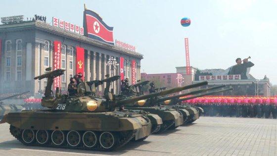 Imaginea articolului Coreea de Nord a efectuat un exerciţiu masiv de artilerie cu ocazia zilei armatei