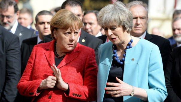 """Imaginea articolului Theresa May, supărată că UE se aliază contra Marii Britanii, după ce Angela Merkel a criticat """"iluziile"""" Londrei privind Brexit"""