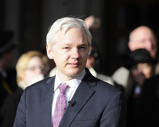 Imaginea articolului Fondatorul WikiLeaks, Julian Assange, susţine că a înregistrat o victorie importantă şi va solicita azil politic în Franţa: Nu iert şi nu uit