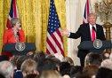 Imaginea articolului FOTO ATACUL din Machester: Theresa May va discuta cu Donald Trump despre scurgerile de informaţii referitoare la atentat, în presa din SUA