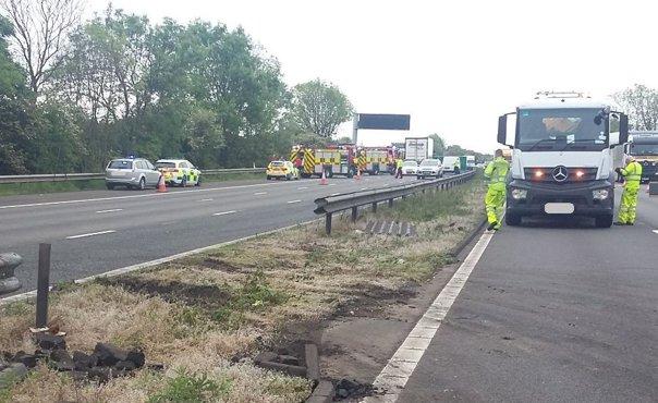 Imaginea articolului Toate cele cinci persoane care au murit în accidentul de pe o autostradă din Marea Britanie erau de naţionalitate română/ Ambasador: Am luat legătura cu toate rudele. Românii vor fi repatriaţi