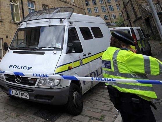 Imaginea articolului Poliţia din Manchester: Am descoperit obiecte importante pentru investigaţie, în urma percheziţiilor. Opt persoane au fost reţinute