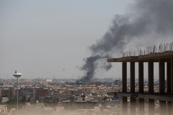 Imaginea articolului Cel puţin 47 de morţi şi peste 180 de răniţi, în timpul unor ciocniri violente între miliţiile rivale din Libia
