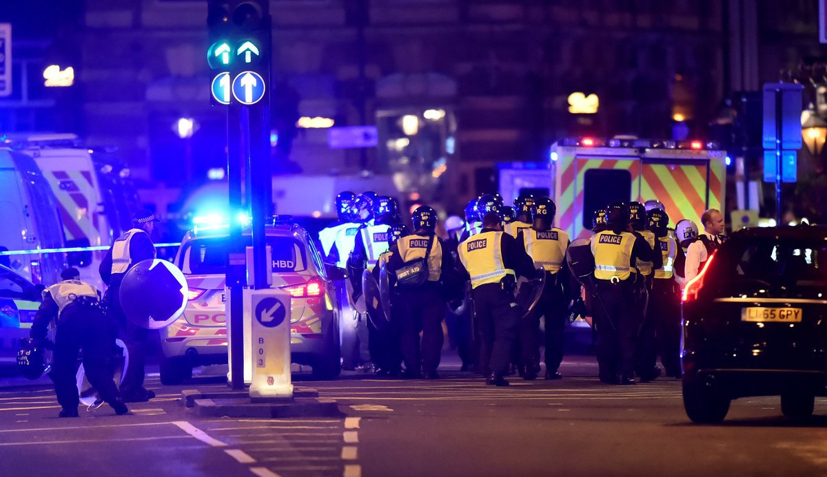Atacurile teroriste din Londra. Poliţia britanică a reţinut încă două persoane suspectate de implicare în atentate