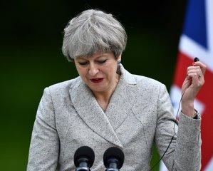 BREAKING NEWS. Ce planuri are Theresa May cu ROMÂNII stabiliţi…