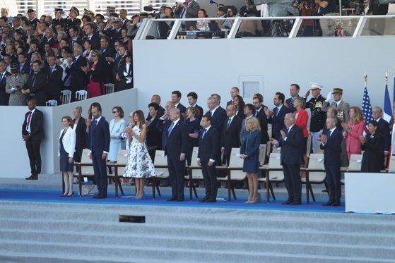Imaginea articolului FOTO INEDIT | Parada militară de Ziua Franţei a luat sfârşit | Preşedintele Donald Trump şi-a încheiat vizita de două zile la Paris / Imagini de pe Champs-Elysees