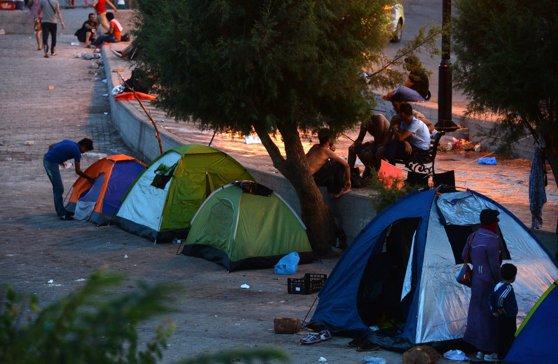 Imaginea articolului Avocatul general al Curţii Europene pledează pentru respingerea apelului Ungariei şi Slovaciei care nu vor să respecte cotele obligatorii de refugiaţi